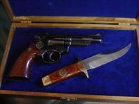 "Smith & Wesson 19-3,Texas Rangers Presentation set,with matching Bowie Knife,fitted wood case,engraved 1823-1973,357 mag,4"" barrel,looks unfired !!, boxes & manual, mid 1970's-awesome polished blue finish,"