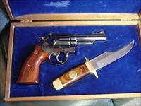 Smith &  Wesson 19-3, Texas Rangers 150th commemorative with matching Bowie Knife,357 magnum,4