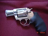 "Colt-Rare Magnum Carry,2"" 357 magnum,satin stainless,made only in 1999,Hogue Finger groove grips,Colt carry case.very clean pocket hand cannon !!"