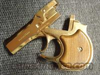 High Standard Gold Presentation Derringer,22 magnum,made,around 1978,box,& papers-unique