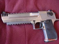 "Magnum Research Desert Eagle 50AE,6"".very rare solid all stainless with built on Comp,top & bottom rails,never fired hand cannon,awesome looking gun,box & all papers  !!"