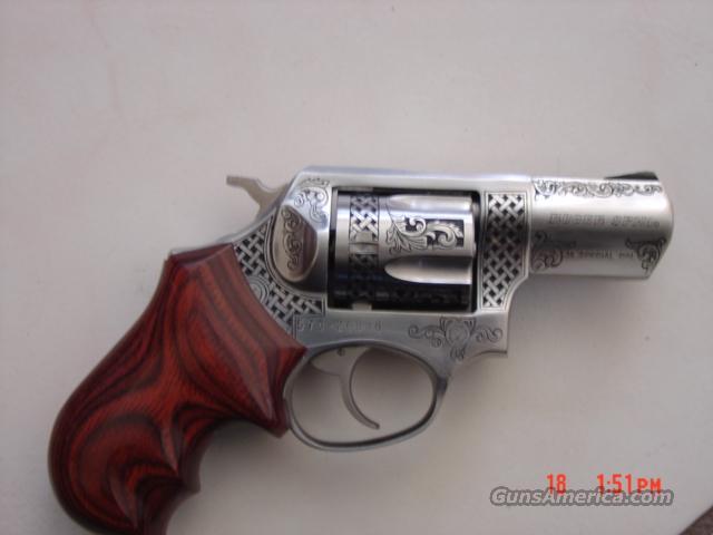 Ruger-SP101,custom engraved 38 special,Badger grips