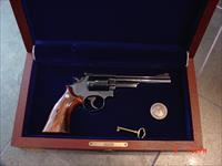Smith & Wesson model 19-4,LAPD Commemorative,357 mag,custom grips,fitted wood case with medallion,looks unfired,made in 1981-a rare beauty !!