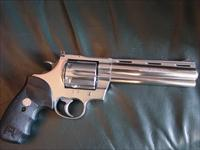 "Colt Anaconda 6"" 44 magnum,polished stainless,finger groove Colt grips,Colt box & manual,6 shots,vented rib like Python"