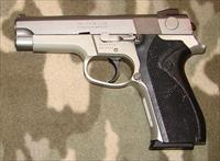 Smith & Wesson 5943