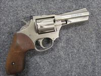 !** SCARCE **! HIGH STANDARD SENTINAL MKI V MATTE NICKLE! 9 shot 22 MAGNUM!4 inch Bbl. Walnut grips! REDUCED! & O.B.O.!!