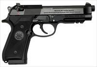 Beretta 96A1 .40 S&W  Railed Black 4.9