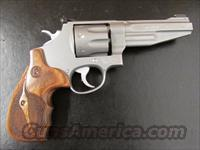 Smith & Wesson Performance Center Model 627 8-Shot .357 Magnum
