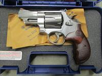 "SMITH & WESSON 629 DELUXE 3"" TALO .44 MAGNUM 150715"