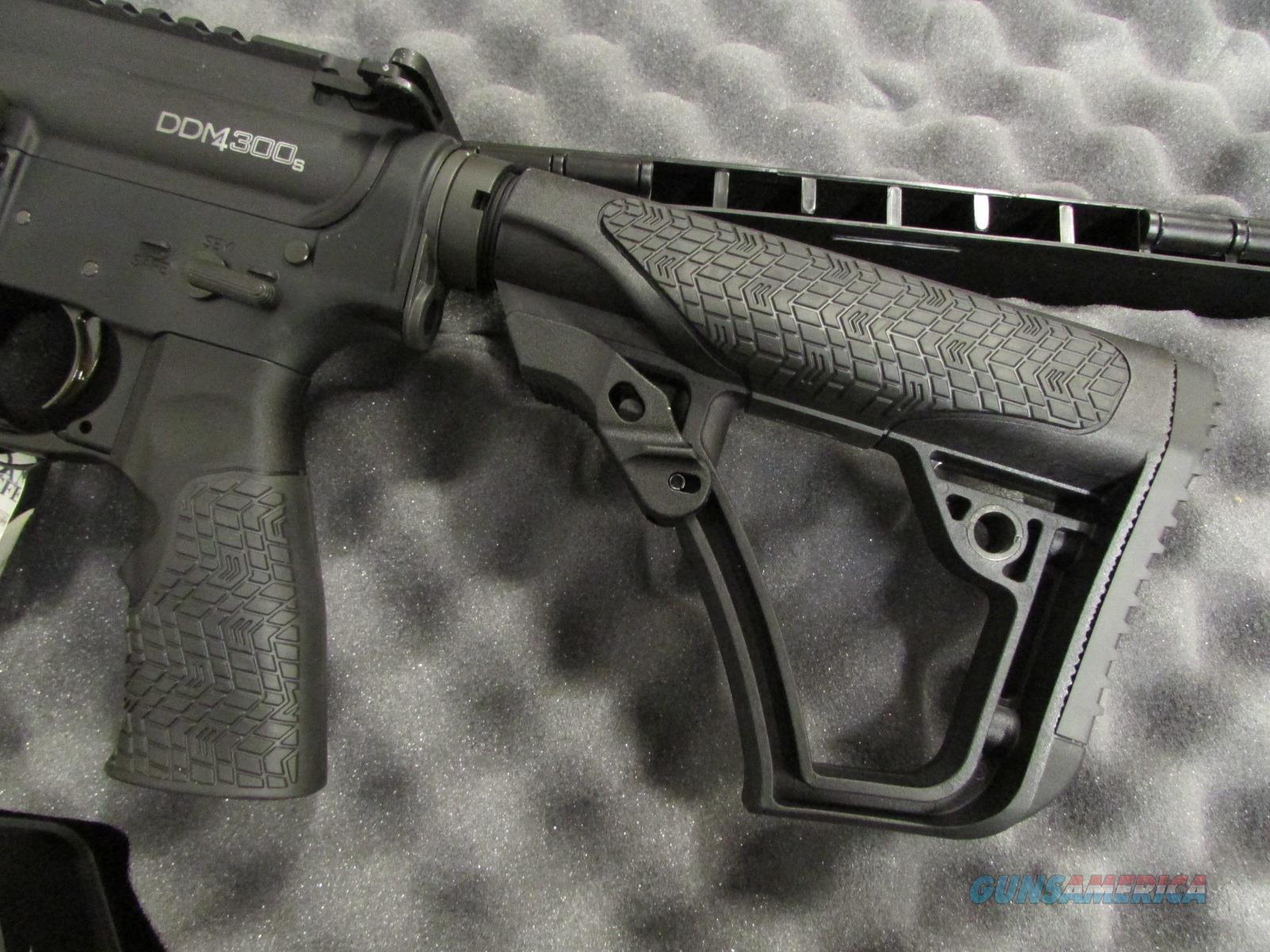 Daniel Defense M4 300S 10 3