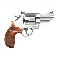 "Smith & Wesson 629 Deluxe .44 Magnum 3"" Stainless 150715"
