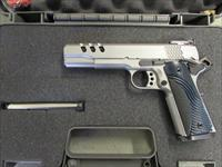 Smith & Wesson Performance Center Model SW1911 .45 ACP