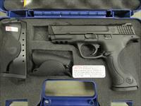 Smith & Wesson M&P40 w/Crimson Trace Laser Grips .40 S&W 220071
