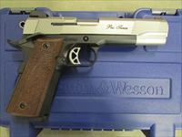 Smith & Wesson Model SW1911 Pro Series .45 ACP/AUTO 178011