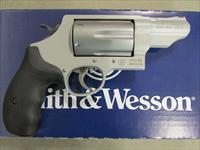 Smith & Wesson Stainless Governor .45 Colt/.410/.45 ACP Revolver