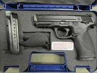 Smith & Wesson M&P9 with Thumb Safety 9mm 206301