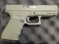 Glock 19 Gen4 Elite Jungle Cerakote 9mm UG1950203EJ