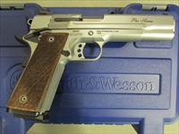 Smith & Wesson Pro Series SW1911 Silver 9mm