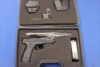 SPRINGFIELD ARMORY XD-40 .40 S&W w/BOX & FULL KIT