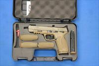 "SMITH & WESSON M&P 2.0 FDE 9mm 5"" w/BOX & KIT"