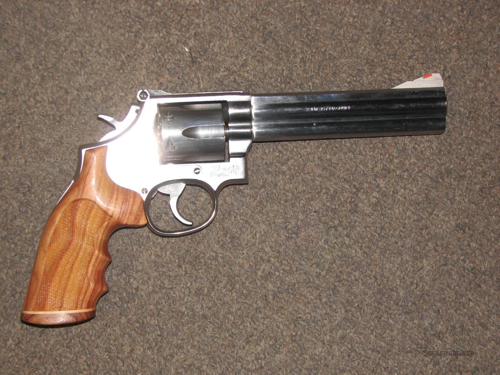 SMITH & WESSON 686 SS  357 MAG w/ CUSTOM GRIPS for sale
