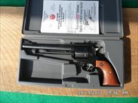 RUGER NEW MODEL SUPER BLACKHAWK 44 MAG CAL.LIKE NEW IN BOX.99%