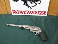 6357 Smith Wesson PERFORMANCE CENTER, 460 XVR 460 caliber 12 inch barrel, stainless steel, no ring marks, 99% condition, adjustable rear site,picatinny rail,white front site, 5 shot. like new. this is the good one s/n LRR0622