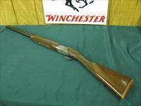 6207 Winchester 101 Pigeon XTR FEATHERWEIGHT 20 gauge 2 3/4 7 3 inch chambers,ic/mod, 26 inch barrels STRAIGHT GRIP, 99%,Winchester butt pad. correct case available $350. A+Fancy Walnut. very hard to find in FEATHERWEIGHT. 6.3 lbs