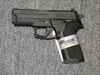 "P229R w/3.9"" bbl. all black .40s&w w/night sights"