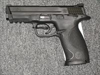 M&P40 w/2 15 rd mags