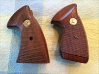 COLT TROOPER MARK III GRIPS - WILL FIT J-FRAME TROOPER