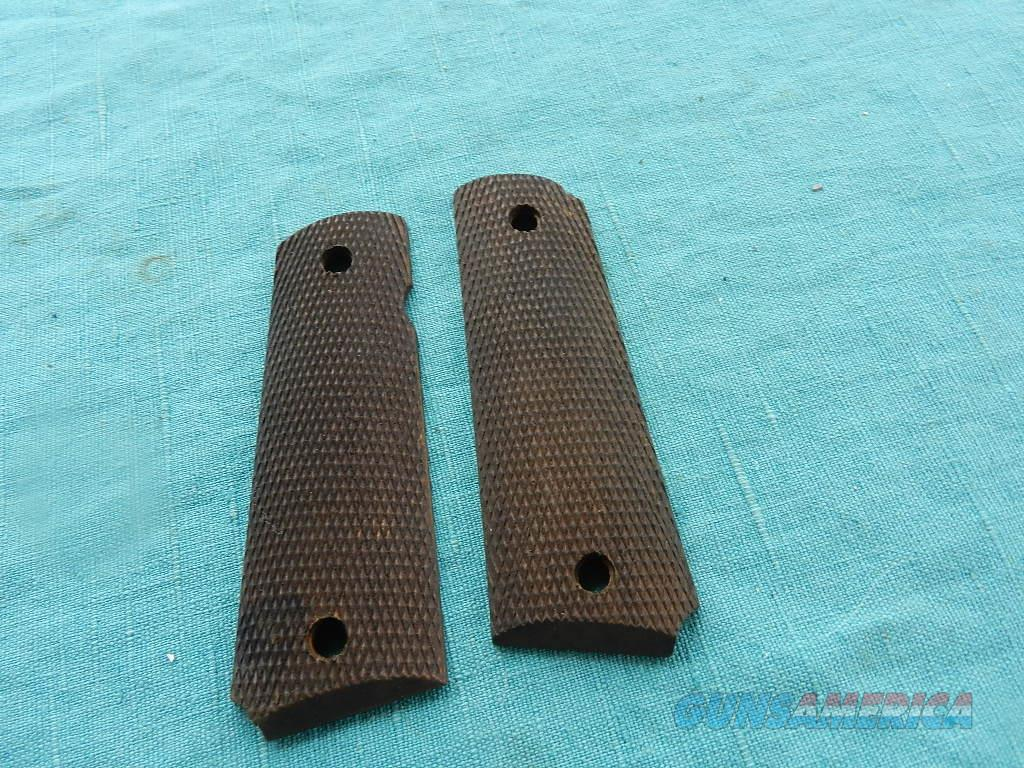 COLT 1911 TO 1911A1 FACTORY WALNUT GRIPS