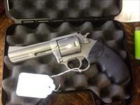 Almost new charter arms target bulldog 357 magnum. 4in stainless steel