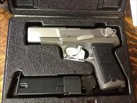 Ruger p85 9mm stainless as new in box. 2 mags