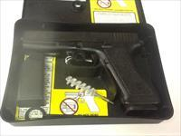 1st gen GLOCK 22 40cal 15 shot like new in box