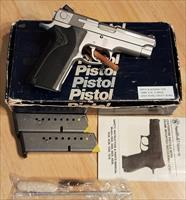 Smith & Wesson 1076, 10mm Pistol (FBI Model)
