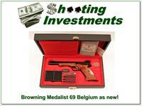 Browning Medalist 22 Auto collector condition in case!