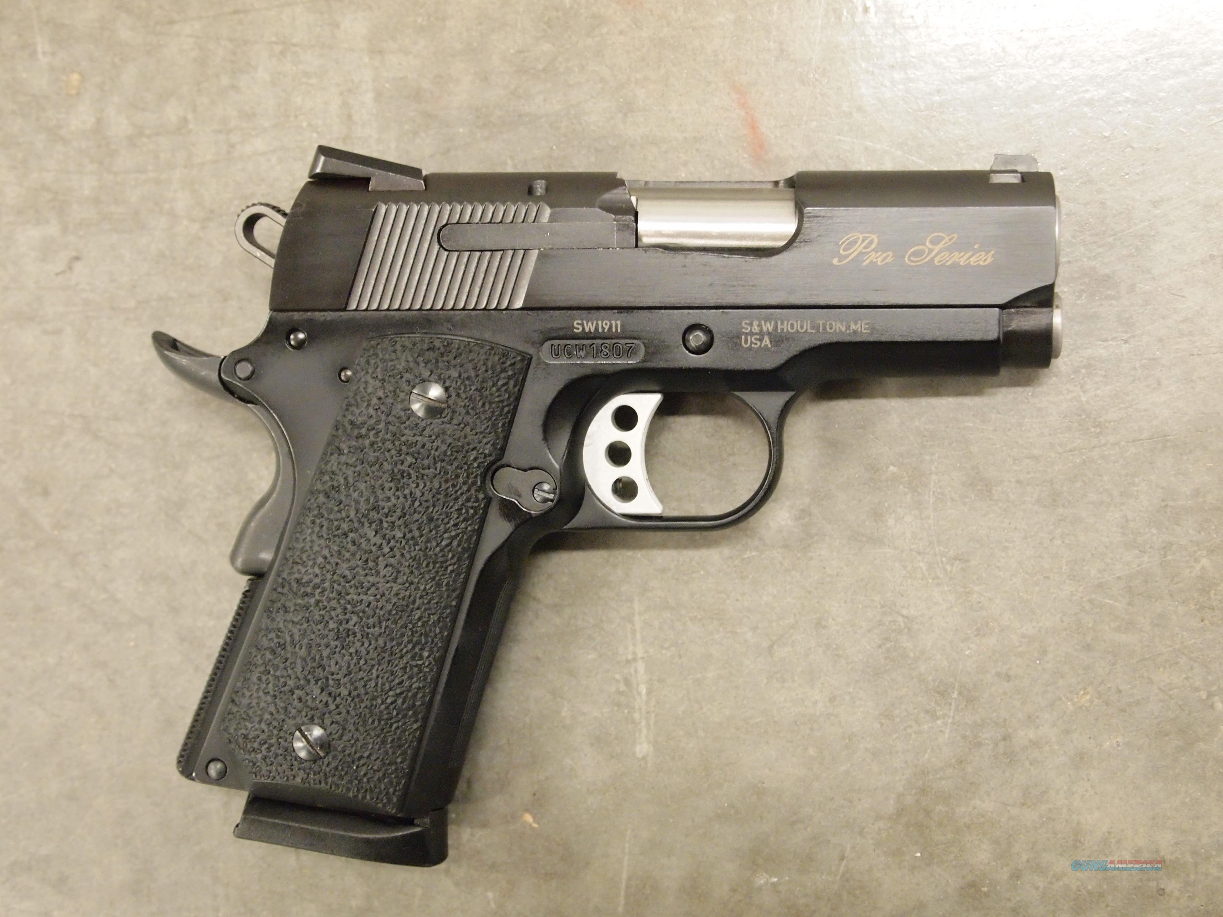Smith & Wesson SW1911 Subcompact  45 ACP