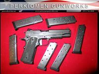 "1911R Extreme 45acp, 5"", Blk/Gray, LIKE NEW w/6 Extra Mags, orginial box."