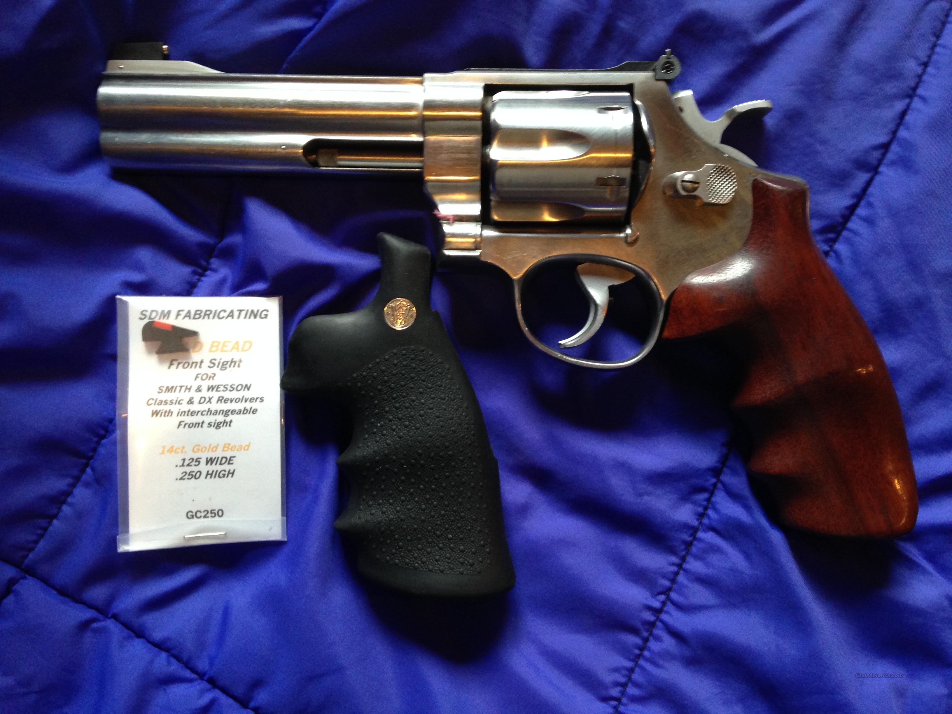 Smith & Wesson Model 629-3 Classic stainless 5-inch 44 Magnum