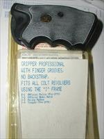 COLT I FRAME GRIPPERS PACHMYRS  $ 29 DELIVERED TO YOUR DOOR