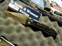 S&W 1000 MILITARY ISSUE /LEO LARGE AUTO  NIB 4 INCH BLADE  OPEN