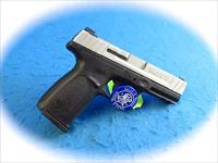 Smith & Wesson Model SD40 VE .40 S&W Pistol Model 223400  **New**