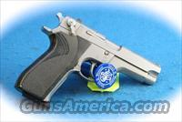 **PRICE REDUCED** Smith & Wesson 5906 9mm Semi Auto Pistol **Used**