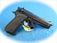 Beretta Model 92FS 9mm Pistol Made in Italy Model JS92F300M **New**