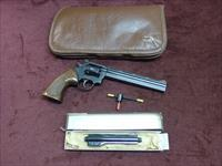 DAN WESSON MODEL 22 .22LR - TWO BARREL SET WITH ACCESSORIES - MONSON, MASS. - EXCELLENT