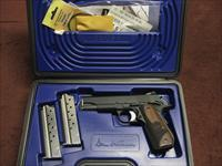 DAN WESSON GUARDIAN 1911  9MM - AS NEW IN BOX