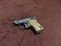 BERETTA 950 BS .25ACP - GLOSS BLUE - WALNUT GRIPS - EXCELLENT