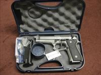 BERETTA 92 FS STAINLESS 9MM - NEAR MINT IN BOX - TWO 15RND MAGS.
