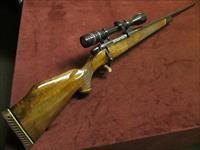 WEATHERBY MARK V .300 WYB. MAG. - PRETTY WOOD - WITH WEATHERBY SCOPE - EXCELLENT